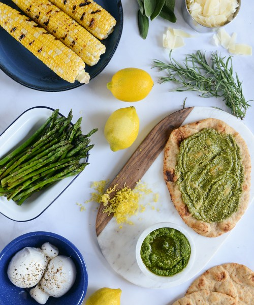Grilled Corn & Burrata Flatbread Pizza // www.WithTheGrains.com