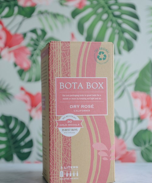 Cheers to the Weekend: Bota Box Rosé // www.WithTheGrains.com