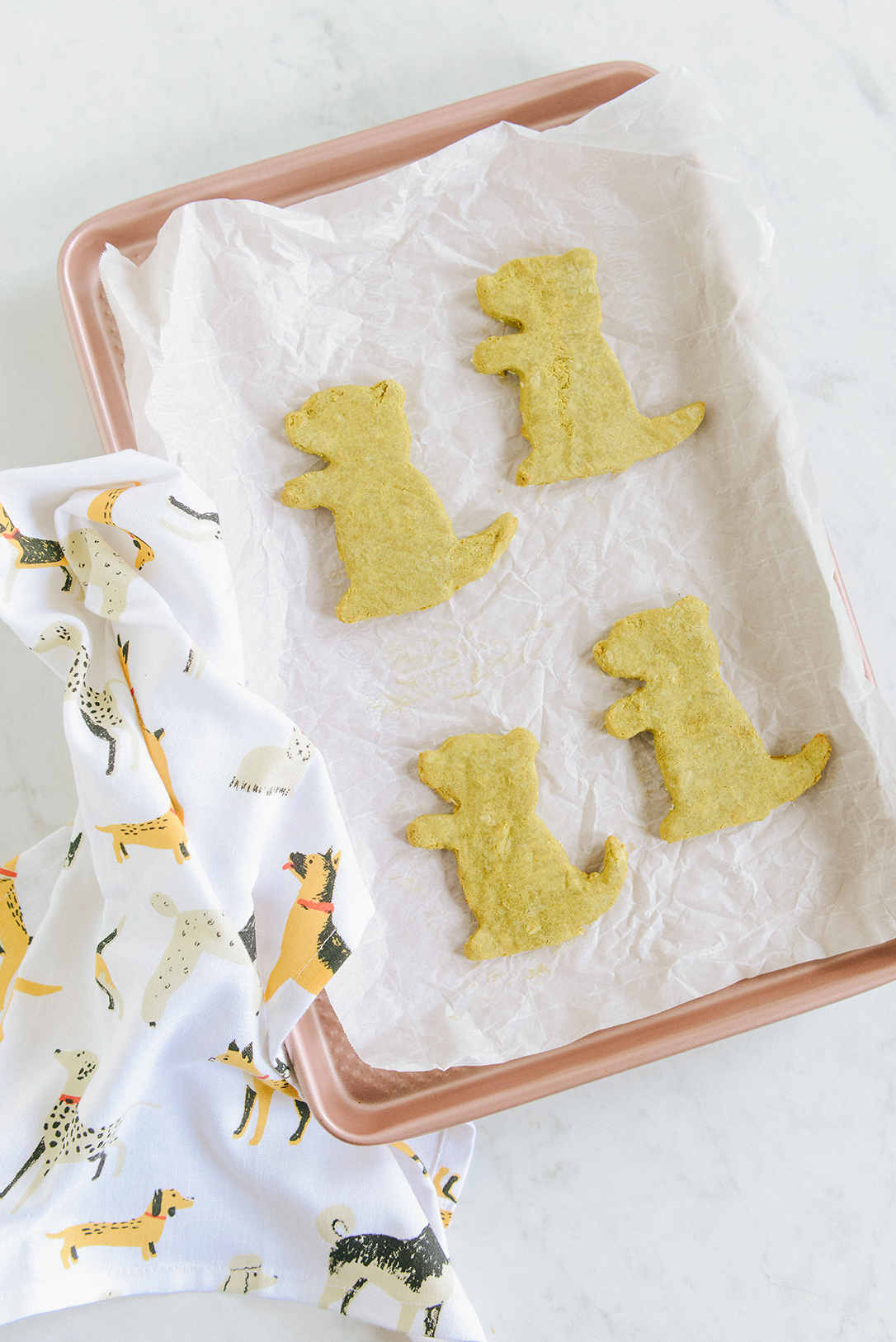 Gluten Free Dog Treats + Happy Groundhog Day 2019 // www.WithTheGrains.com