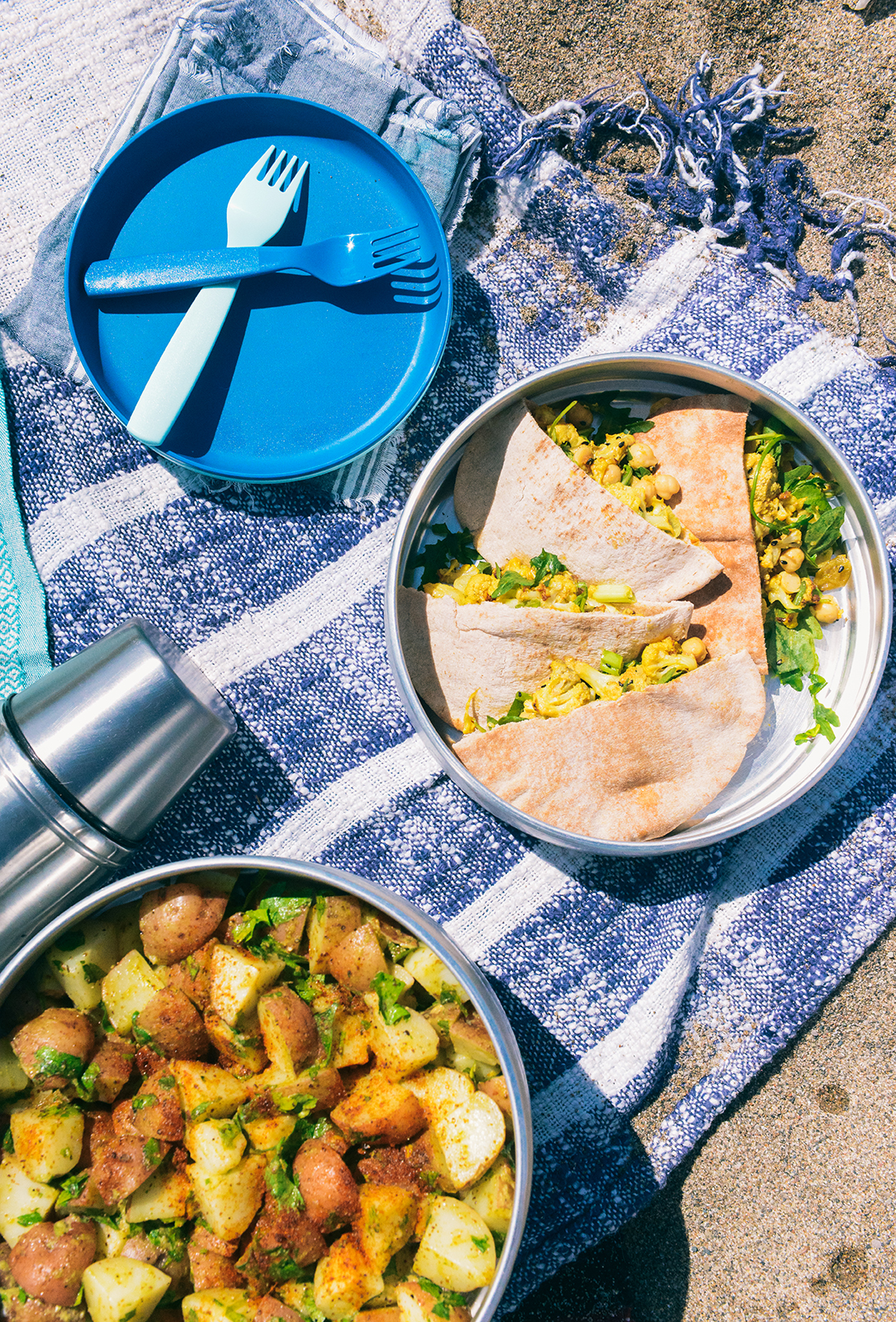 A Vegan Beach Picnic & Curried Cauliflower Wraps