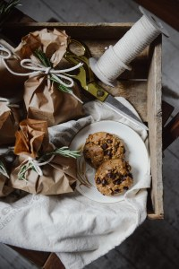 Whole Grain Gluten Free Everything Cookies // www.WithTheGrains.com