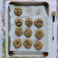 Almond Flour Chocolate Chip Cookies (Gluten-Free)