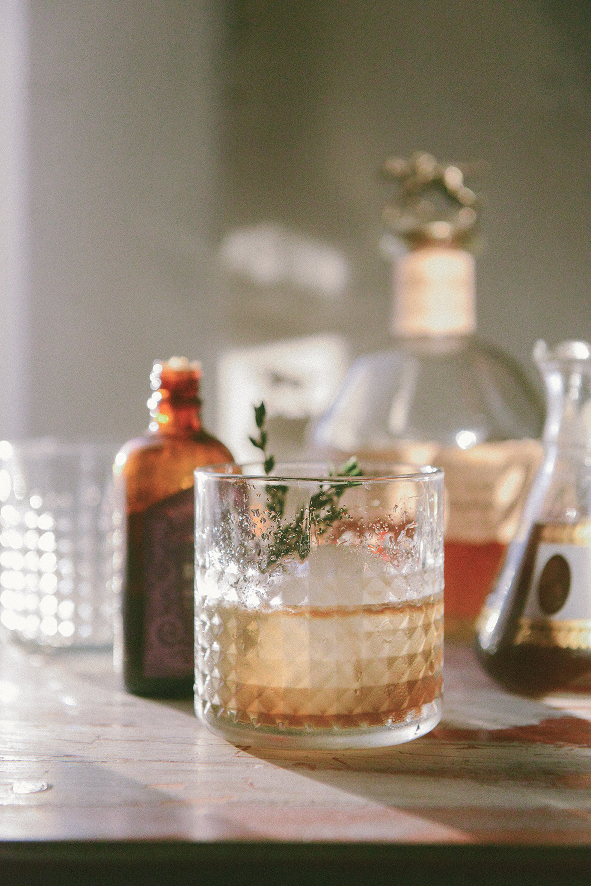 Black Pepper & Thyme Old Fashioned Cocktail // www.WithTheGrains.com