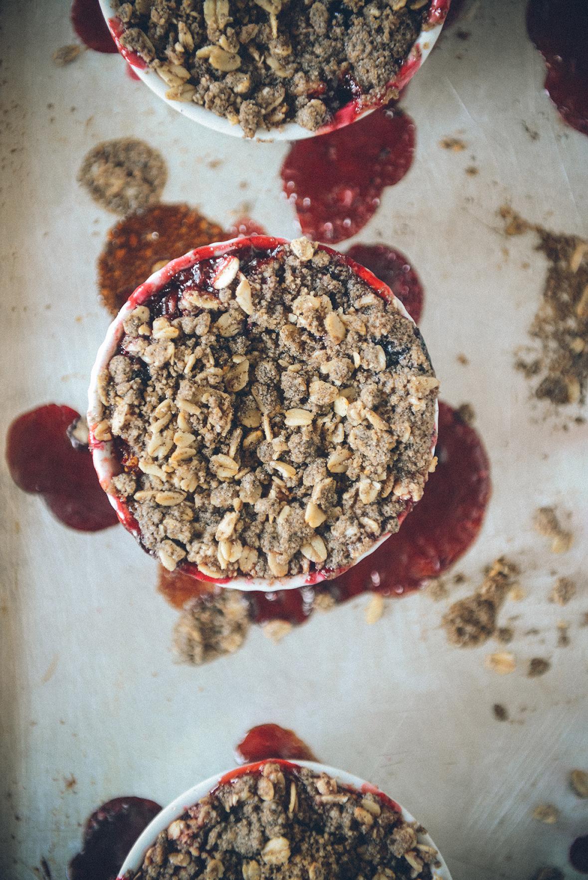 Summer Berry Crisp // www.WithTheGrains.com