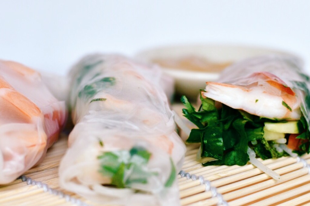 Fresh Summer Rolls with Peanut Sauce