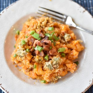 Buffalo Bacon Macaroni and Cheese