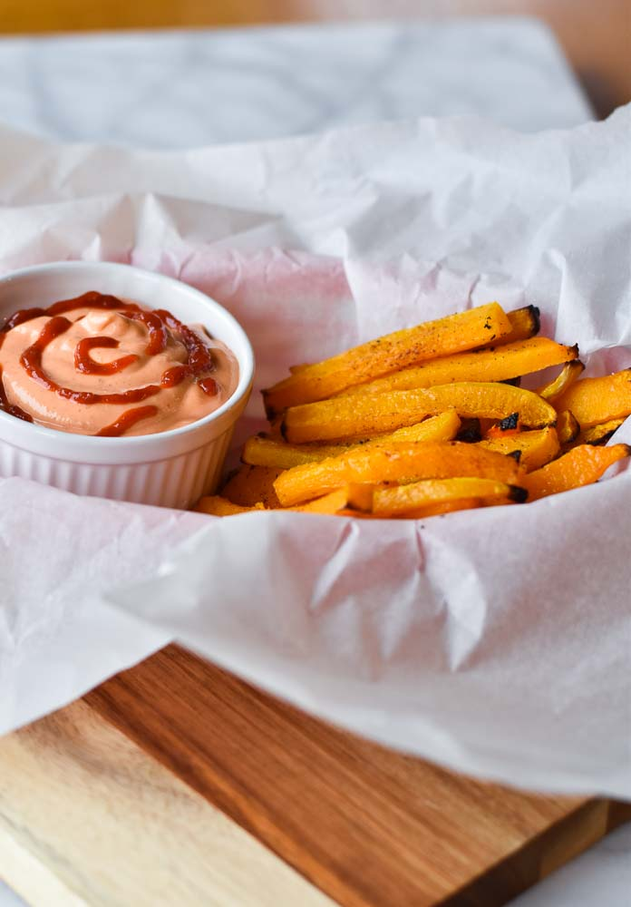 Butternut Squash Fries with Sriracha Mayo #snacks #butternutsquash #healthyfoods