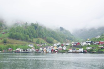 Norway in a Nutshell: a review of this scenic tour roundtrip tour from Bergen where you experience a variety of Norway's natural beauty a single day. #norwayinanutshell #norway #visitnorway #visitbergen #bergen #bergennorway #flamrailway #fjordcruise