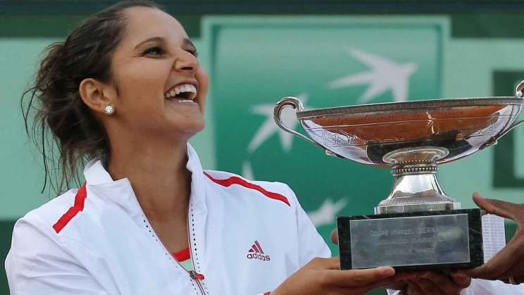 Sania Mirza proves she's a rockstar!