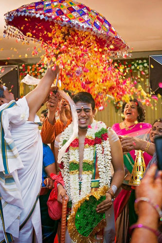 PICTURES THAT PROVE EVERY INDIAN BRIDE MUST GET A PICTURE WITH A FLOWER SHOWER | A bridal entry in style | Ceremonies are more animated | Curated By Witty Vows