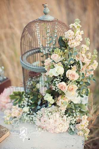 Pastel Indian reception | Daytime rustic reception theme for indian weddings | pastel flowers with a birdcage baby breath and crystals - Rustic chic wedding reception theme for Indian Wedding Day function - English Style | Curated By Witty Vows