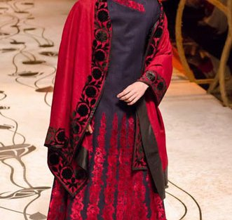 Deep blue and red outfit for the Indian groom with rich embroidery | Rohit Bal | Curated by Witty VowsDeep blue and red outfit for the Indian groom with rich embroidery | Rohit Bal | Curated by Witty Vows