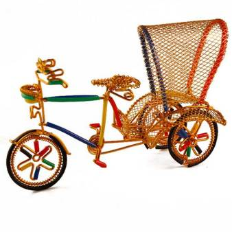 Handicraft ideas for Indian wedding decor wire art colourful bicycle rickshaws for an innovative appetiser food display | Food presentation and styling trends in Indian weddings | Stylist - Rakhee Jain | DIY Ideas for Indian weddings | Curated by Witty Vows