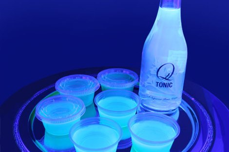 Glow in the dark jello shots for your diwali arty bar at home | ideas that are dirrefent and fun | curated by Witty vows | ideas for your cockayils and bar for the diwali party at home