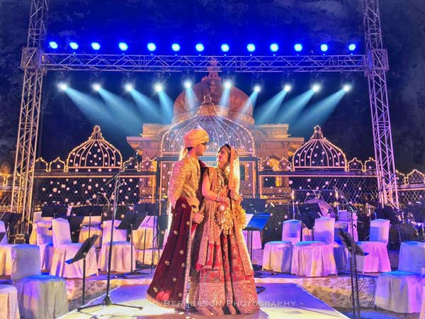 candid wedding photograph TIPS FOR INDIAN BRIDES | Sephi Bergeson | Best wedding photographers in India | Indian couple pre wedding shoot