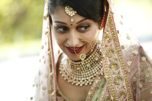 Anu weds Manu - a pretty day wedding in delhi| Pretty Indian Bride in an ombre ivory and blush peach lehenga with mint green accents and a mint green dupatta | pastel perfection | Bride wearing her kundan jewellery - maantika and nose ring | waiting for the baraat