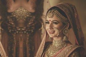 indian bride| traditional Indian jewellery| indian wedding jewellery| wed me good| indian weddings| indian brides | nath | mathapathi| polki necklace| delhi bride | bridal look| Indian Bridal Jewellery | Polki Ring | chandbala earrings | amarpali | kangana ranaut |rakyans