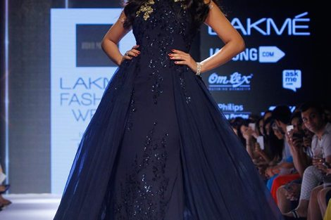 Cocktail Gowns for Indian Brides - Ridhi Mehra| Reception Gown | Royal Blue Gown | Esha Gupta | Cocktail Gown | Indian Bridal Wear | Indian Weddings | Indian Designer | Indian Brides | Indian Bride Fashion| Pernia Popup Shop