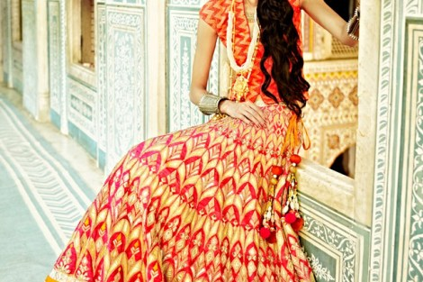 New trending Indian Mehndi Outfit Style Ideas for Indian Bride
