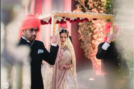 Top Indian Celebrity Weddings 2016 | Wedding ideas from Asin and Rahul's wedding | Hindu wedding at Dust Devrani | Asin in Sabyasachi lehenga | Phoolon ki chadar