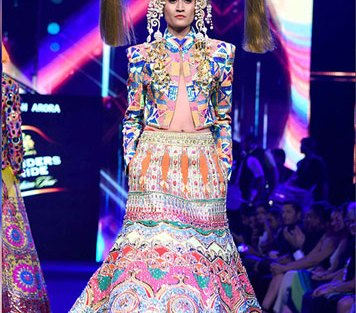 Carol Gracious in a Manish Arora Jacket | Manish Arora's collection 2016 Blender's Pride | Mehndi outfit Ideas to steal from Manish Arora's New Collection
