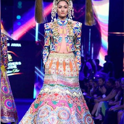 Carol Gracious in a Manish Arora Jacket   Manish Arora's collection 2016 Blender's Pride   Mehndi outfit Ideas to steal from Manish Arora's New Collection