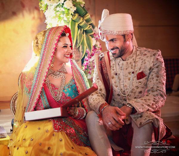 Top Indian Celebrity Weddings 2016 | Stunning wedding ideas Divyanka Tripathi's wedding to vivek dhaiya | bride in yellow lehenga and blue blouse with red dupatta