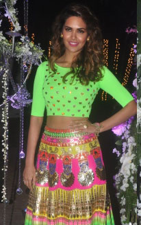 Esha Gupta wears a Manish Arora Lucra Blouse | Manish Arora's collection 2016 Blender's Pride | Mehndi outfit Ideas to steal from Manish Arora's New Collection
