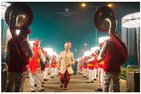 Indian groom entry ideas | Walk right in through a file of band baaja guys | Curated by witty vows