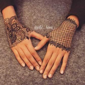 trending minimal new bridal mehndi design ideas for this wedding season | Lace Glove Henna vintage style