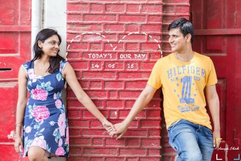 Save the Date photoshoot idea| Anupa Shah Photography | Pre Wedding Shoot Ideas | Cute couple pic| tumblr | Candid Photography| | Beach | Goa | Pre Wedding Photographers | Delhi | Indian couple in love | Stunning locations in India | Wedding Photographer | Nature Shoot |Beach|