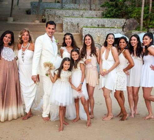 Top Indian Celebrity Weddings 2016 | Stunning wedding ideas from Lisa Hayden's wedding to Dino lavani | Bangkok Beach wedding | christian ceremony | lisa hayden wedding gown | Lisa with friends holding her wedding train