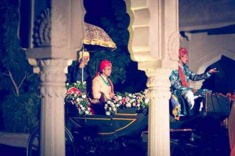 Indian groom entry ideas | Groom enters in a carriage horse drawn regal and royal | Curated by witty vows