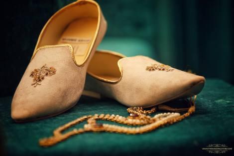 Indian groom footwear   Juttis  Indian wedding   Indian Groom Style   Sabyasachi  Rohit Bal   Anita Dongre  The RightSide  