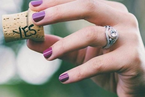 Ring photo idea| engaged | engagement announcement | Proposal ideas| engagement ring| instagram | wedding photo| pre wedding shoot |fiancé | ringsselfie