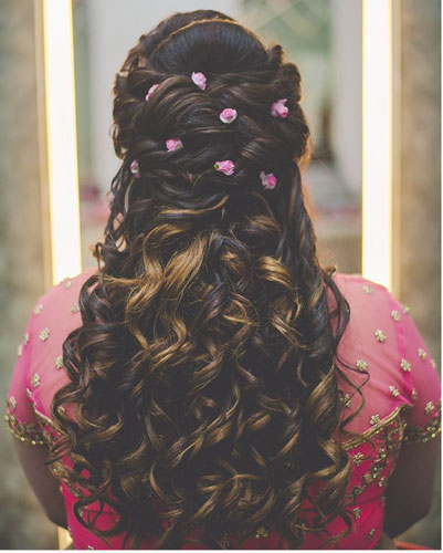 Beautiful half undo hairstyle with curls | wedding curls Hairstyle with flowers | fresh flower hairstyle | small pink rose buds flowers in your hair