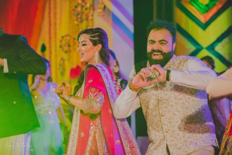 Balveen and Kushal | Destination wedding in Goa | The bride and grrom look lovely while dancing and shaking a leg.