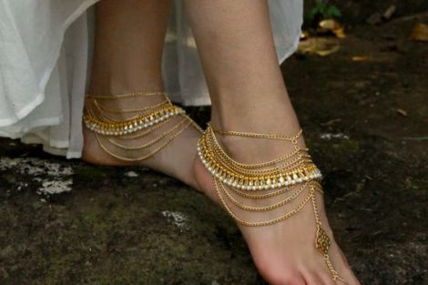 Delicate anklet | Trending Indian anklet ideas - Bridal Payal designs