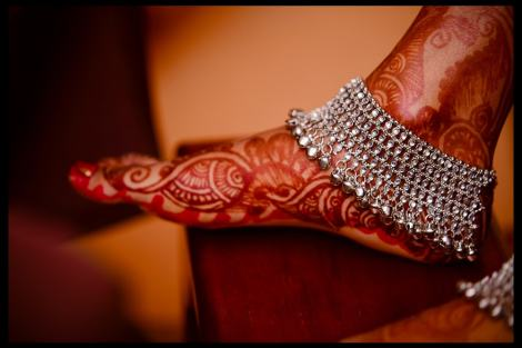 Silver anklet with ghungroos | Trending Indian anklet ideas - Bridal Payal designs