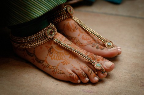 Anklet with attached toe ring |Trending Indian anklet ideas - Bridal Payal designs
