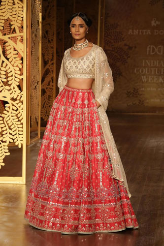 anita Dongre bridal collection | best Indian bridal wear designer Anita Dongre 2017 collection | gorgeous red bridal lehengas with pockets