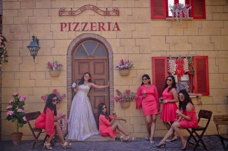 Coordinated bridesmaids at perfect location| Create memories with your BFF– Bridesmaids photoshoot Ideas WE LOVED!