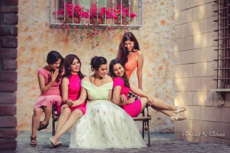 Perfect shoot with the girl gang | Create memories with your BFF– Bridesmaids photoshoot Ideas WE LOVED!