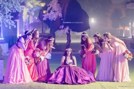 Dreamy shoot with baes | Create memories with your BFF– Bridesmaids photoshoot Ideas WE LOVED!