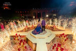 completely lit surroundings   Real Brides REVEAL - 6 mistakes you must avoid while planning your wedding