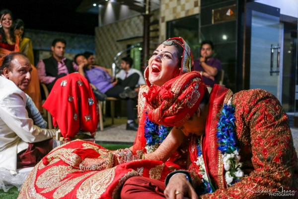 Indian Wedding Planning Mistakes   Bride & groom share a happy moment   Real Brides REVEAL - 6 mistakes you must avoid while planning your wedding
