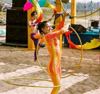 carnival themed mehendi at the Dubai beach