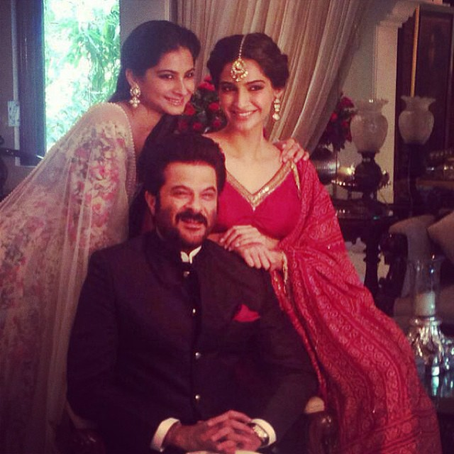 Sonam kapoor with her father Anil and sister rhea