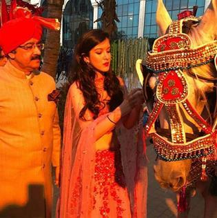 Indian Weddings | Sister-Brother goals | Sister of the Groom duties | Indian Wedding Traditions | Indian Bridesmaids | Fun Wedding Moments | Shanaya Kapoor | Indian wedding Photographers |