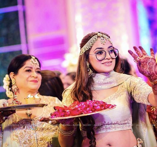 Indian Weddings | Sister-Brother goals | Sister of the Groom duties | Indian Wedding Traditions | Indian Bridesmaids | Fun Wedding Moments | Dwaar Rukai | Candid wedding moments | Indian wedding Photographers |